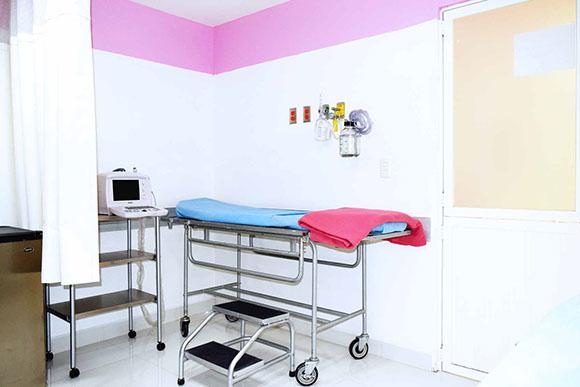Ultrasonido con ginecólogo